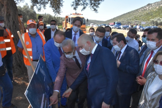 Ulaştırma ve Altyapı Bakanı Karaismailoğlu Muğlada incelemelerde bulundu