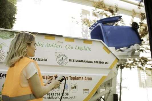Bursada üretilen elektrikli katı atık toplama aracı Ankarada yola çıktı