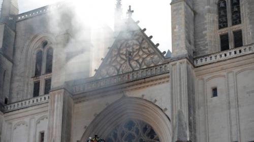 Fransa'daki Nantes Katedrali'nde yangın çıktı