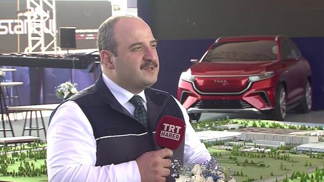 Bakan Varank yerli otomobil fabrikasını TRT Haber'e anlattı