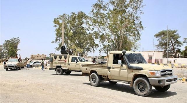 Libya Ordusundan Sirtenin batısına askeri sevkiyat