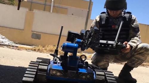 Libya'da EYP'lere yerli ve milli robot 'Kutlu' ile müdahale ediliyor