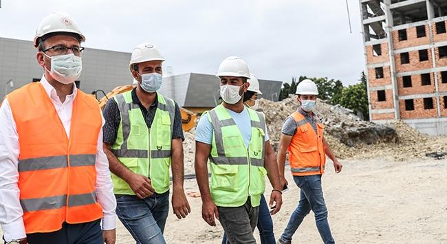 Bakan Kasapoğlu İstanbulda yapımı süren tesisleri inceledi
