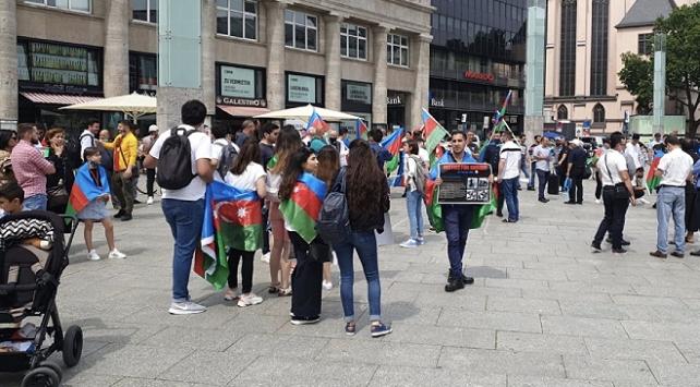 Ermenistanın saldırıları Almanyada protesto edildi
