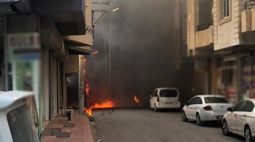 Elektrik panosundaki yangın otomobile sıçradı