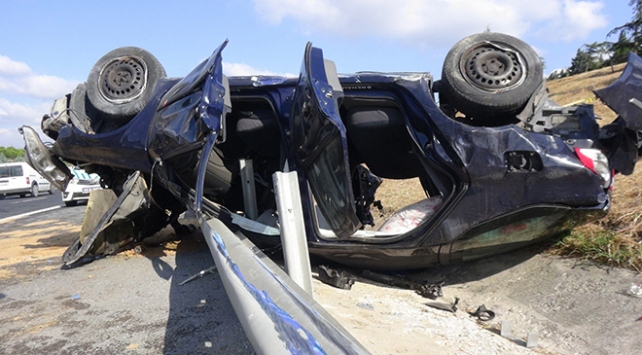 Silivride otomobil takla attı: 1 ölü, 3 yaralı