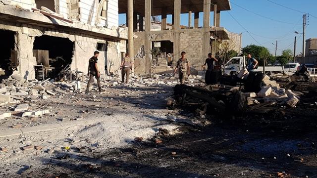 Azez'de bombalı araçla terör saldırısı: 4 ölü, 20 yaralı