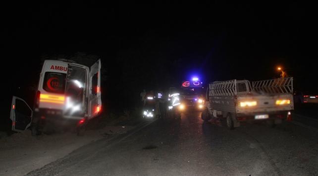 Elazığda ambulans ile pikap çarpıştı: 5 yaralı