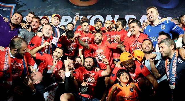 Medipol Başakşehirde şampiyonluk sevinci