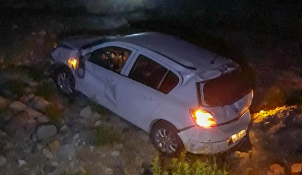 Osmaniyede otomobil şarampole devrildi: 1 ölü, 1 yaralı