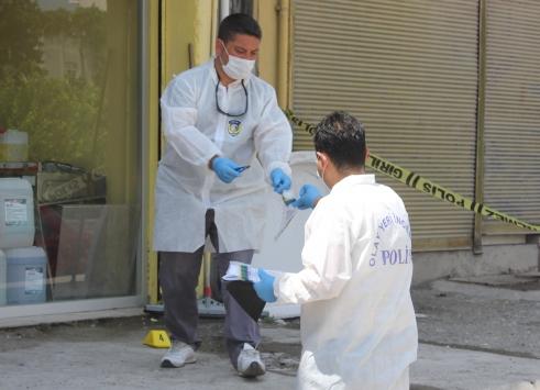 Osmaniyede iş yerinde silahlı kavga: 1 ölü, 2 yaralı