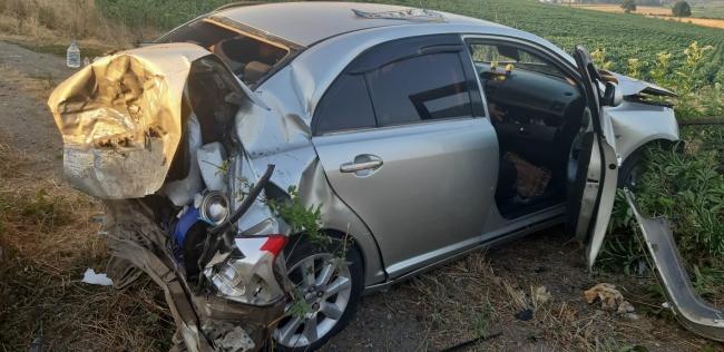 Samsunda kontrolden çıkan otomobil tarlanın demir kapısına çarptı: 6 yaralı