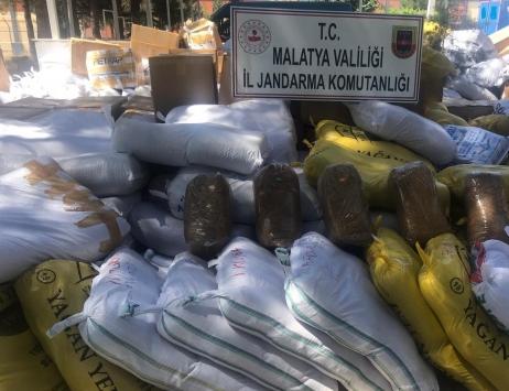 Malatyada kargo aracında 8,5 ton kaçak tütün ele geçirildi