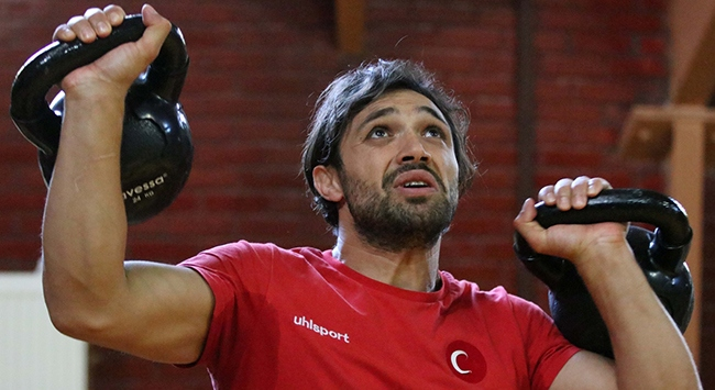 Milli güreşçi Atakan Yükselin gözü olimpiyat madalyasında
