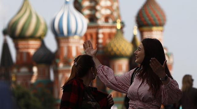 Rusyada uzun zaman sonra günlük vaka sayısı 6 binin altında