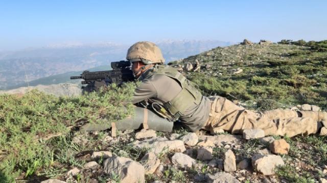 Siirt'te teröristlerin kullandığı sığınak imha edildi