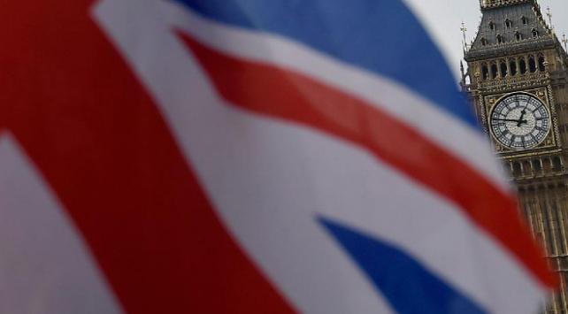 Rusyaya İngiltere siyasetine müdahale suçlaması