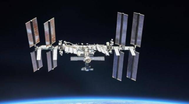 Uluslararası Uzay İstasyonunda batarya değişimi