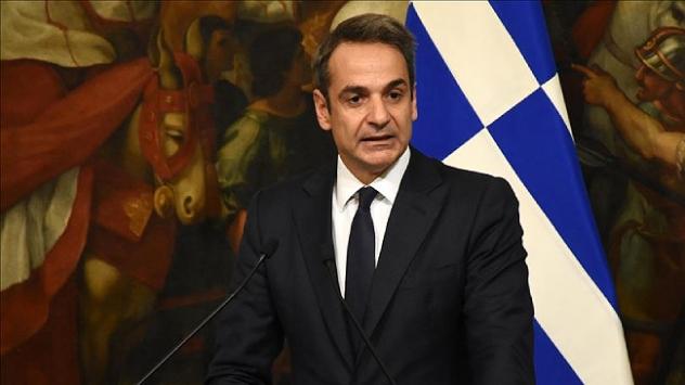 Yunanistan Başbakanı Miçotakise yönelik eleştiriler artıyor