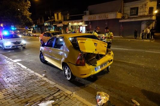 İzmirde trafik kazası: 1i polis 2 yaralı