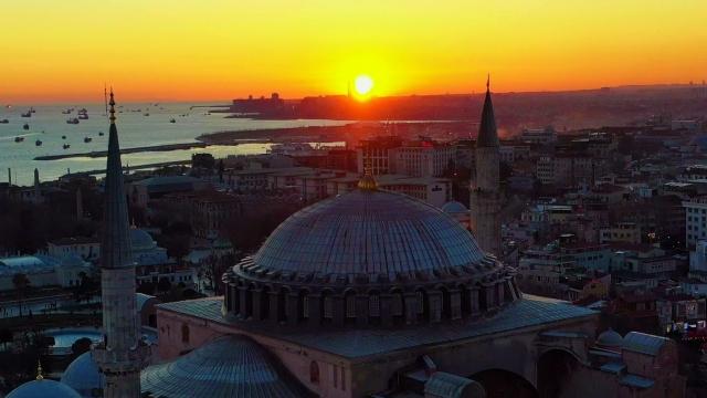 Ayasofya Camii'nde kartpostallık gün batımı