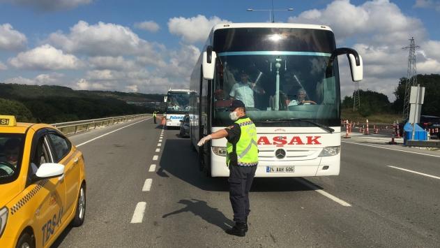 Jandarma ekiplerince, yolcu otobüslerine Kovid-19 denetimi yapıldı