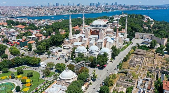 Diyanet İşleri Başkanı Erbaş, Ayasofyada ilk namaza katılacak kişi sayısını açıkladı