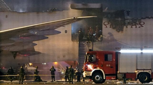 Etiyopya kargo uçağı Çindeki havalimanında alev aldı