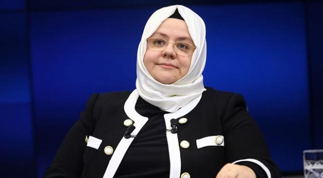 """Bakan Zehra Zümrüt Selçuktan """"kadına şiddetle mücadele"""" paylaşımı"""