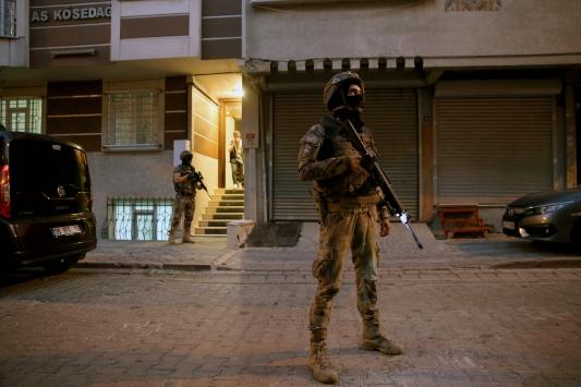 İstanbulda siber suçlara yönelik eş zamanlı operasyon başlatıldı