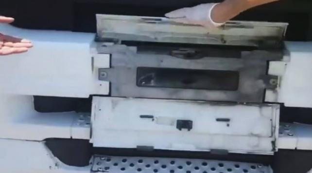 Radara yakalanmamak için plakayı gizleyen düzenek kurmuş