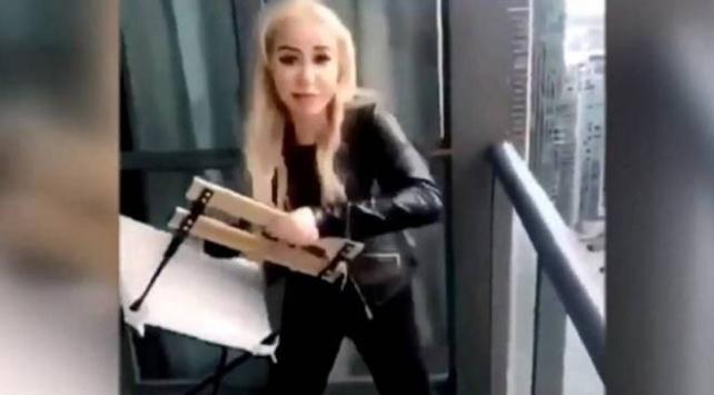 Kanadada 45. kattan sandalye fırlatan kıza 2 bin dolar para cezası