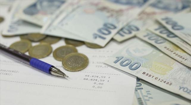 COVID-19 mağduru esnaf ve sanatkarların kredi borçları ertelendi