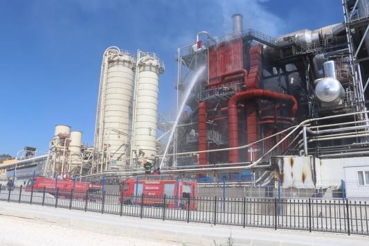Kastamonuda ağaç işleri yapılan fabrikadaki yangın hasara yol açtı