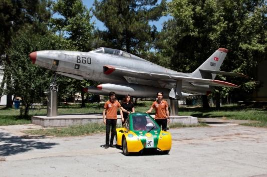 Uludağ Üniversitesi öğrencilerinin hidrojenli aracı Barbaros ödüle doymuyor
