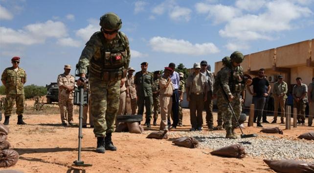 Libyada mayın ve EYPlerin imha çalışmaları sürüyor