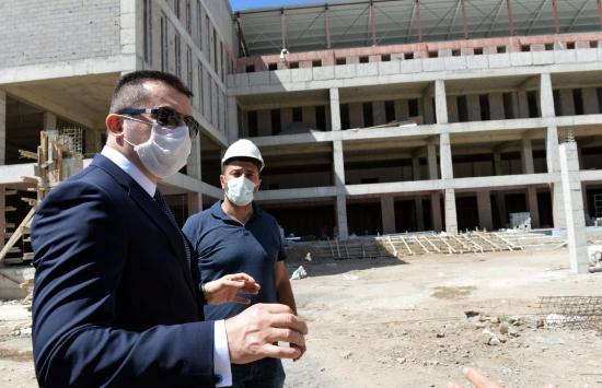 Erzurum Valisi Memiş inşaatı devam eden kamp eğitim merkezlerini inceledi: