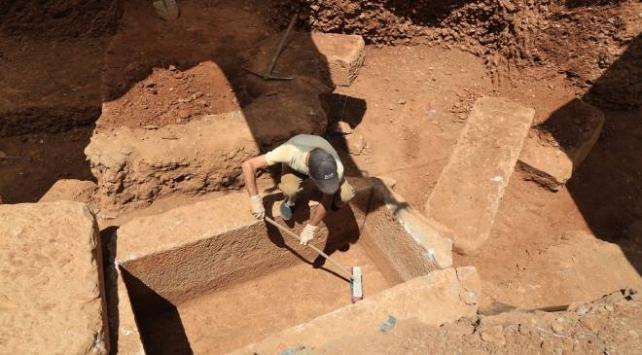 Muğlada inşaat kazısında 2 bin 400 yıllık mezar kalıntıları bulundu