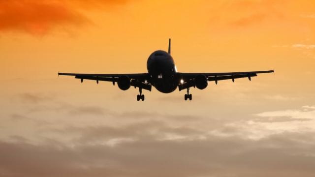 İran'a ait yolcu uçağına taciz iddiası