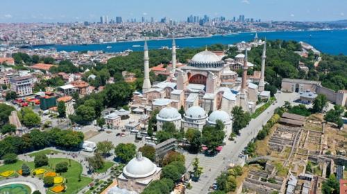 İstanbul'un fethinden günümüze Ayasofya Camii'nin hikayesi