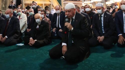 Cumhurbaşkanı Erdoğan Ayasofya Camii'nde Kur'an okudu