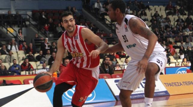 Kostas Sloukas Olympiakosa döndü