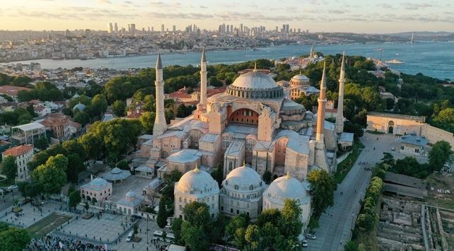 """İstanbul Valisi Yerlikayadan """"Ayasofya Camii"""" teşekkürü"""