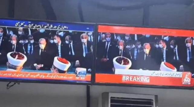 Ayasofyada cuma namazı, Pakistan haber kanallarında canlı yayınlandı