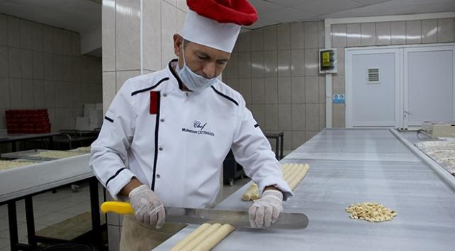 Osmanlıdan miras tatlılar bayram için hazırlanıyor