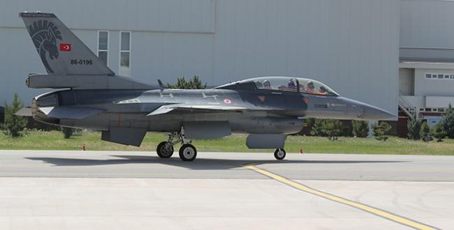 Ömrü uzatılan ilk F-16, Hava Kuvvetlerine teslim edildi