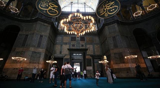 Ayasofya-i Kebir Camii Şerifine ziyaretler devam ediyor