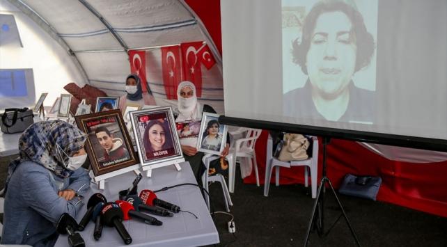 Diyarbakır annelerinden, kızı Almanyada PKK tarafından kaçırılan anneye destek