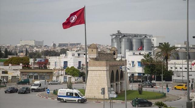Tunusta hükümeti kurma görevi İçişleri Bakanı Hişam el-Meşişiye verildi