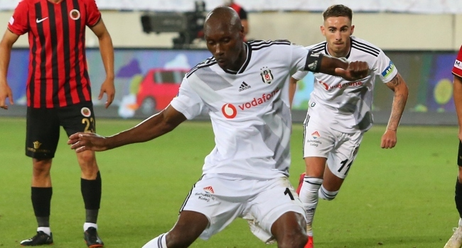 Atiba: Beşiktaşta oynamak istiyorum